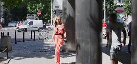 Małgorzata Rozenek w pasiastym kombinezonie opuszcza TVN