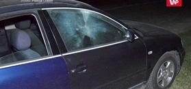 Odpalił petardę w jadącym samochodzie. Wybuchła w środku