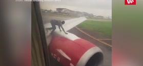 Wyjrzeli przez okno samolotu. Na pokładzie wybuchła panika