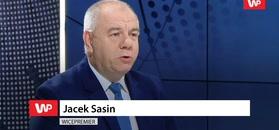 Jacek Sasin wyraźnie zdenerwowany.