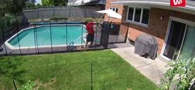 Czyścił basen. Sekundę później zrobił jeden krok w bardzo złym kierunku